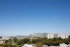 諏訪2丁目住宅建替え計画 - 設計: 松田平田設計 施工: 三井住友建設