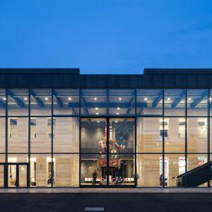 敦賀駅交流施設 オルパーク - 設計: ジェイアール西日本コンサルタンツ 施工: 大鉄工業