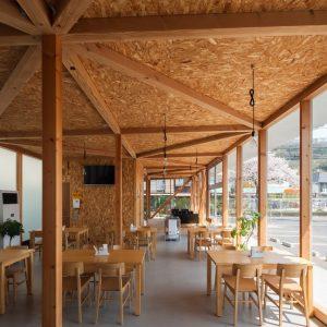 牛窓の食堂「いこい処 笑食亭」 - 設計:・監理 アイ・デザイン 施工: ユージー技建