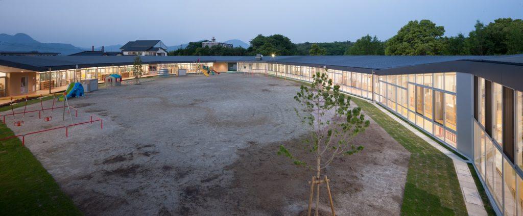 新建築 2014年6月号 美濃保育園 子育て支援棟 Architecture designed by Children