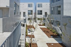 西大泉の集合住宅 ATRIA - 設計: 谷内田章夫 / ワークショップ 施工: 白石建設