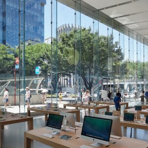 Apple Store, Omotesando - 設計: Bohlin Cywinski Jackson 施工: 竹中工務店