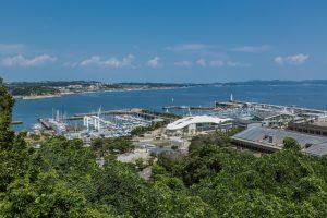 江の島 湘南港ヨットハウス - 設計: ヘルム + オンデザインパートナーズ 施工: 谷津建設