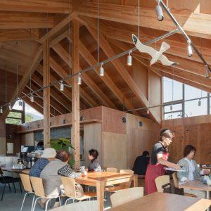 りくカフェ本設 - 設計: 成瀬・猪熊建築設計事務所 施工: 吉田建設