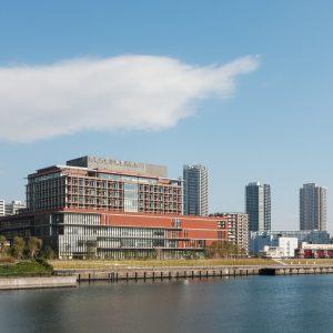 昭和大学江東豊洲病院 - 設計: 佐藤総合計画 施工: 大成建設
