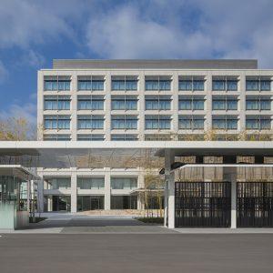 島津製作所E1号館 - 設計: 三菱地所設計施工 戸田建設