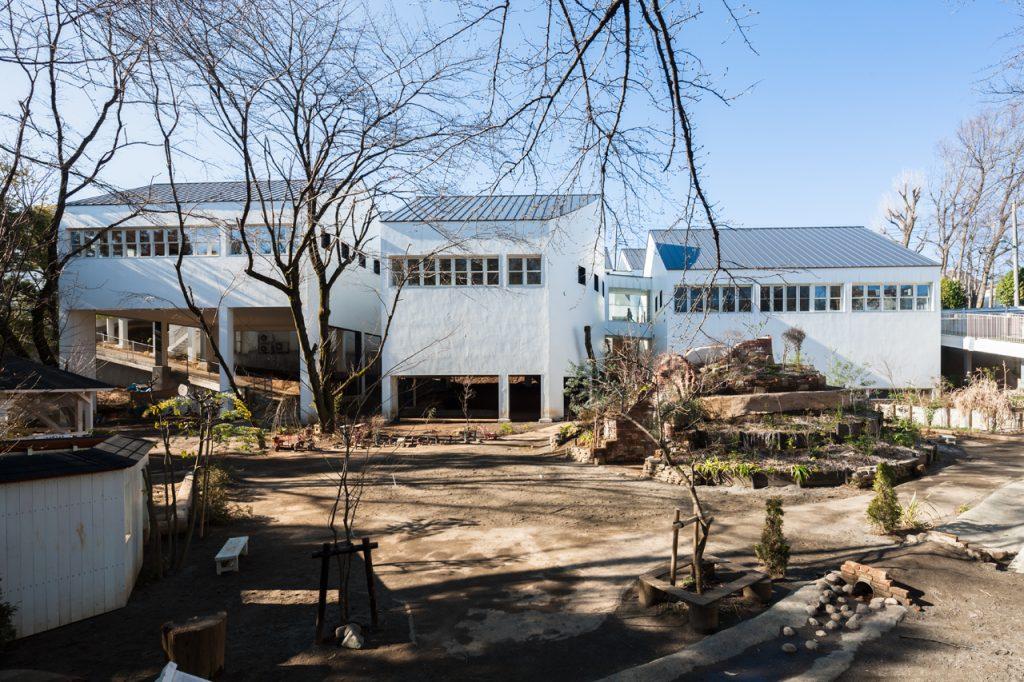 新建築 2015年4月号 日本キリスト教団 広島牛田教会+牛田教会学園 あやめ幼稚園