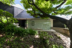 佐井寺のハナレと屋根裏