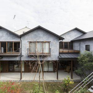 田中西春菜町の集合住宅 - 設計: 魚谷繁礼建築研究所 施工: 竹内商店