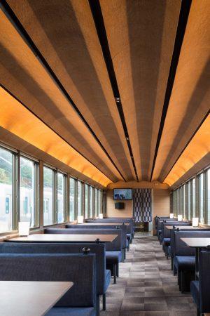 西武 旅するレストラン 52席の至福 - 設計:・製作 総合車輌製作所