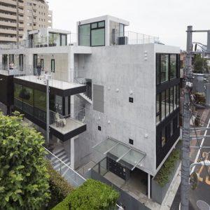 代々木西原テラス - 設計: aat + ヨコミゾマコト建築設計事務所 + ナカノアトリエ 施工: 中島建設