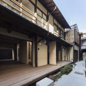晒屋町の長屋群 - 設計: 魚谷繁礼建築研究所 施工: アーキスタイル