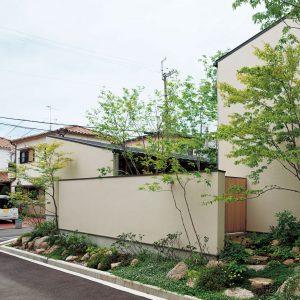 内庭・外庭の家