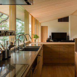 建築家のキッチン04:桜並木の家