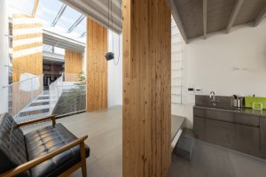 houseSY/ 寄木壁の家