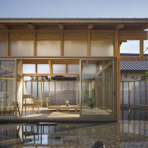 風と水の間の家